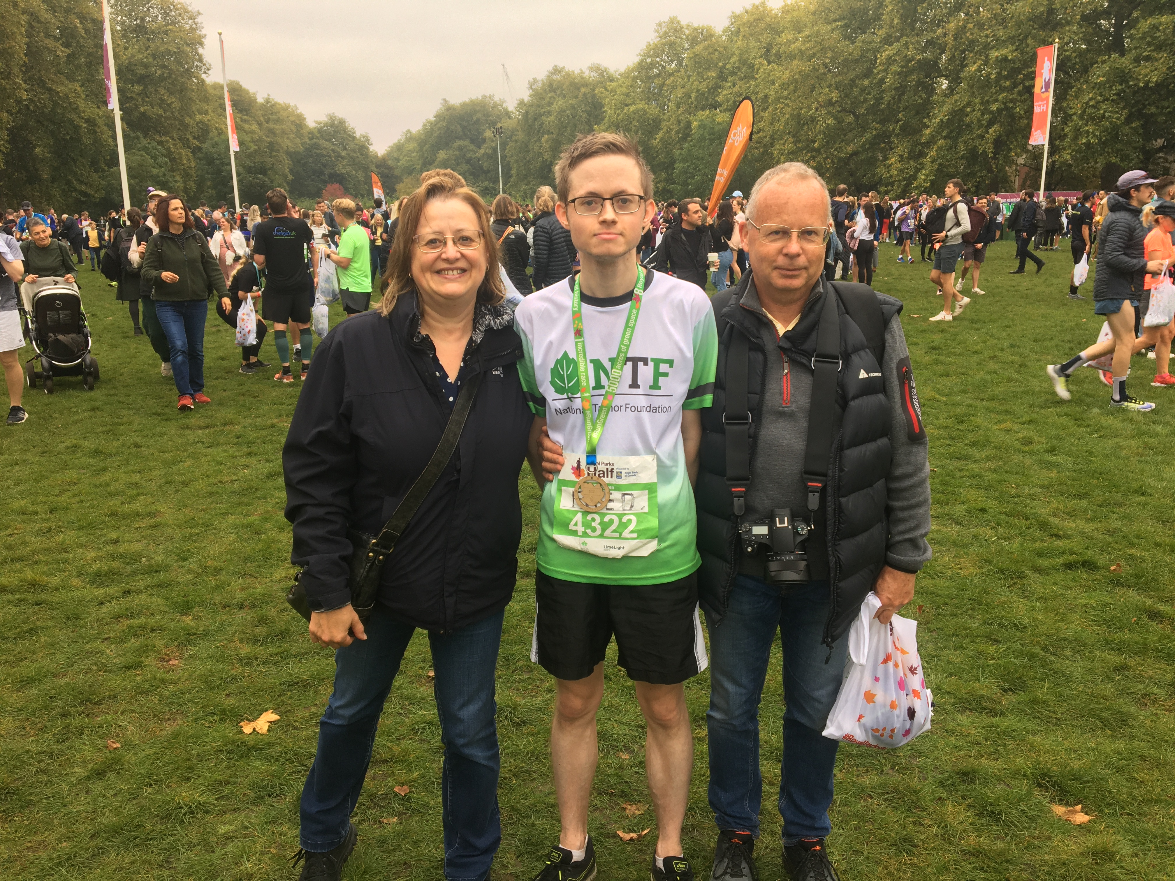 Runner Fred Jewitt with his parents